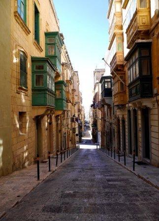 Acu Gozo typical street