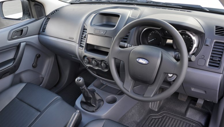 The interior of Ford Ranger 3.2 XLSHR Single Cab.