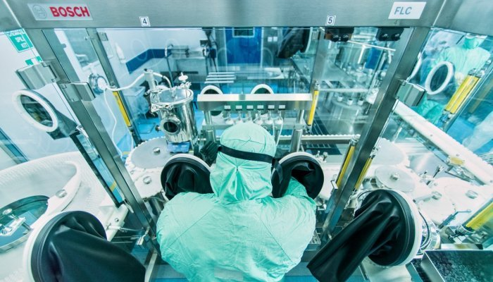 A Hexaxim vial line in action at Biovac's Cape Town facility