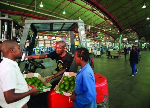 If Cabinet would pass the Business Licensing Bill, this would compel hawkers to register their businesses with local municipalities at a fee. Image By Courtesy of SA Tourism (2).jpg