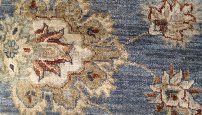 Hand-knotted quality